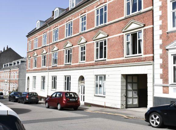 Billede af Sct. Mikkelsgade 10 set fra gaden